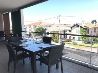 Appartement Quintaou : belle terrasse pour des vacances à proximité de tout
