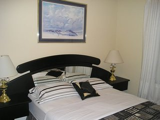 Fine No Name Suite at Susan's - 2 rooms for the price of 1