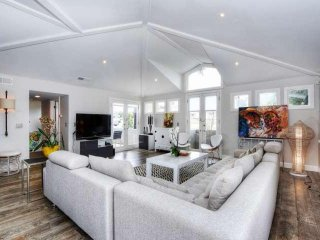 Breathtaking coastal contemporary town home with modern amenities