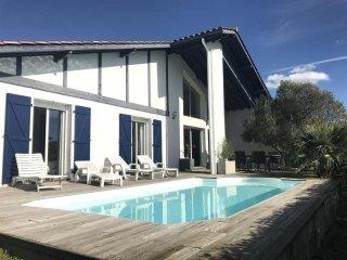 Villa avec piscine : vacances au calme entre Biarritz et Bidart