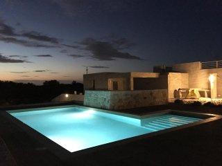 New Modern Villa with Pool