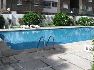 Apartamento de diseno centrico, piscina