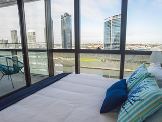 Melbourne Private Apartments - Collins Street Waterfront, Docklands