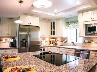 Unit #33-09 Fabulous Kitchen & Close to the Pool!!