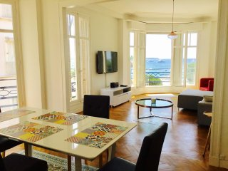 Beachfront Apartment in the Center of Cannes - Heart of the City