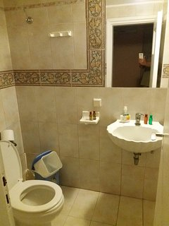 [private full  bathroom  ensuite bedroom 3