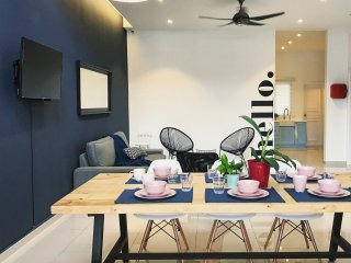 Luxury Landed House | Near Jonker Street