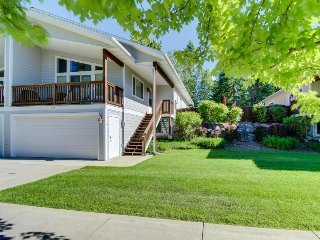 Relaxing home near Whitefish Lake Golf, just a mile from Whitefish and the lake!