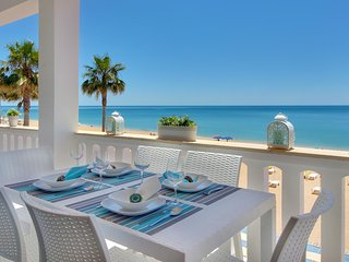 Pe na Areia - The perfect beach front Villa- 6 people