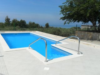 Apartment Vanja with swimming-pool for 8 persons near Split