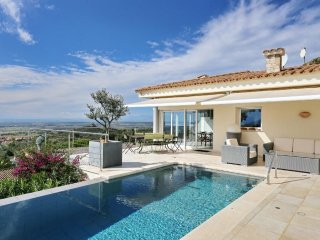 Los 8 Vientos - stunning Villa overlooking the Bay of Roses and Nature Reserve
