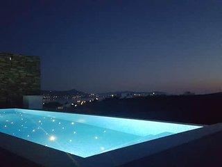 Villas in Paros (Villa 2)