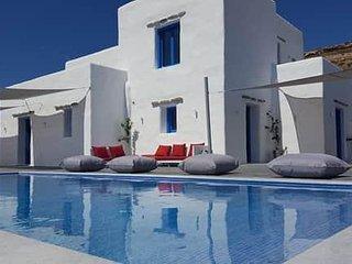Villas in Paros (Villa 3)