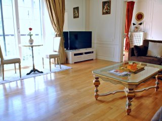Champs Elysees - George V, Luxurious Stay