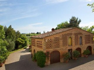 Cozy Double Bedroom - Private Bath in the heart of Tuscany