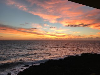 Oceanfront Place. Sea Turtles & Whale watch. Near black sand and vocano park!