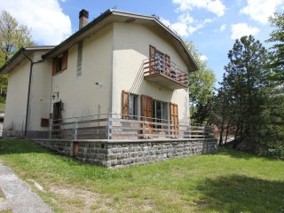 Casa Trebbo - Country House with garden and parking in the Mugello region