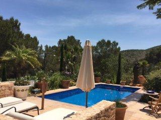Villa entre Ibiza y Sta. Eulalia