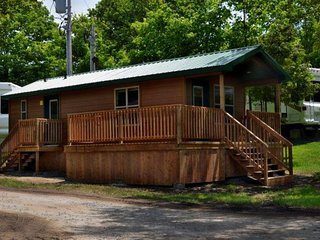 Two Bedroom Cottage on Lake Avenue Campground