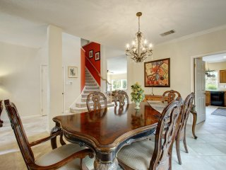Fun, Fabulous, Beautifully Furnished 3200 SF, Deck, Grill, Fire Pit, Heated Pool