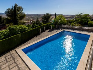 Villa Nautilus, private pool and views