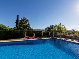 Villa Nautilus, private pool and views