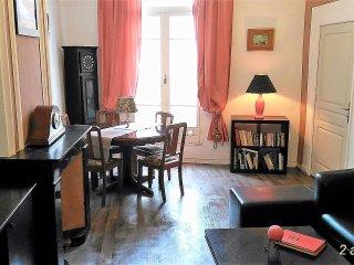 Au Quatre 55m² 2em Etage. appartement de 2 chambres centre historique de Pezenas