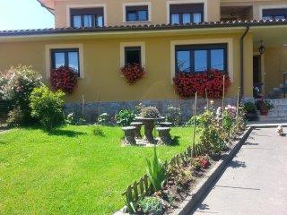 Hermosa casa con gran jardín cerca de la playa de Niembro de Llanes