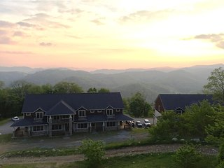 The Veiws at Wolf Ridge 304 (Near Asheville)