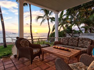 Stop!! YOU'VE FOUND THE ONE ~ Spend Your Vacation on the Ocean in Lahaina!!