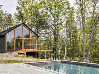 New! Modern 3BR Kerhonkson Home w/Pool on 12 Acres