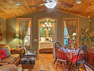 Romantic Tree House Cottage - Minutes to Mentone!