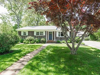 BURRK - Newly Updated West Chop Area Home, Gorgeous Private Yard,  Large Deck