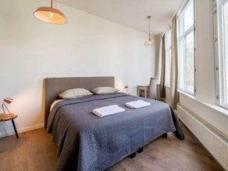 6 min from Central Station and Dam Square 1BR 30m2