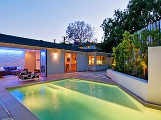 Perfect Los Feliz Getaway Villa with Pool Right next to Griffith Observatory