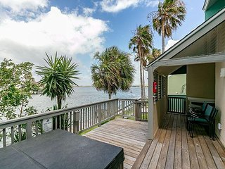 3BR Coastal Townhome w/ Bay Views & Private Pier – 5-Minute Drive to Beach