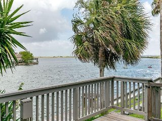 Area Not Impacted by Hurricane: 3BR Townhome w/Bay Views & Private Pier