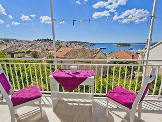 Apartment Dario Hvar