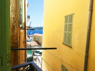 One bedroom apartment in heart of old town