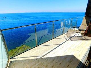 Moderno apartamento de vacaciones con espectaculares vistas en Canyelles, Roses