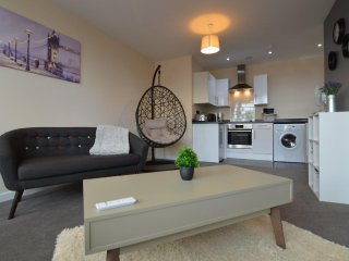 Spacious & Modern City Centre 1 bedroom Apartment