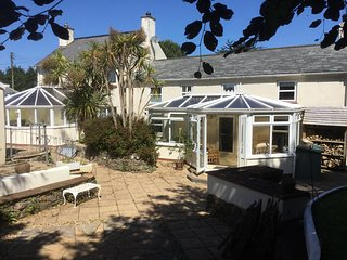 Beautiful large house suitable for families and near to the Coast - dogs welcome