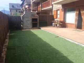 Apartamento con jardín en Esterri d´Aneu (descanso y aventura) Max 6 personas