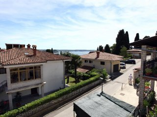 ZS1 Victoria's Garden View Apartment in Portoroz
