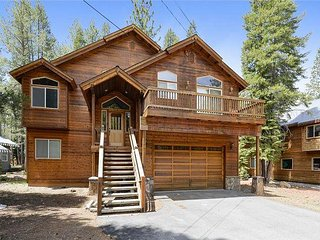 Michelucci's Dream Chalet in the Heart of Tahoe Donner!