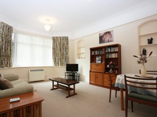 BOURNECOAST: ONE BEDROOM FLAT WITH COURTYARD GARDEN IN BRANKSOME PARK - FM6058