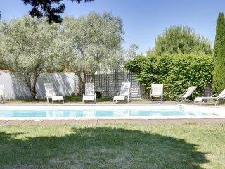 Villa avec maison d'amis et piscine