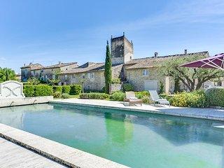 Vaste Propriété de charme en Luberon, à Cabrières