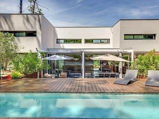 Superbe maison d'architecte dans la pinède au Cap