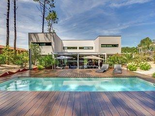 Superbe maison d'architecte dans la pinede au Cap